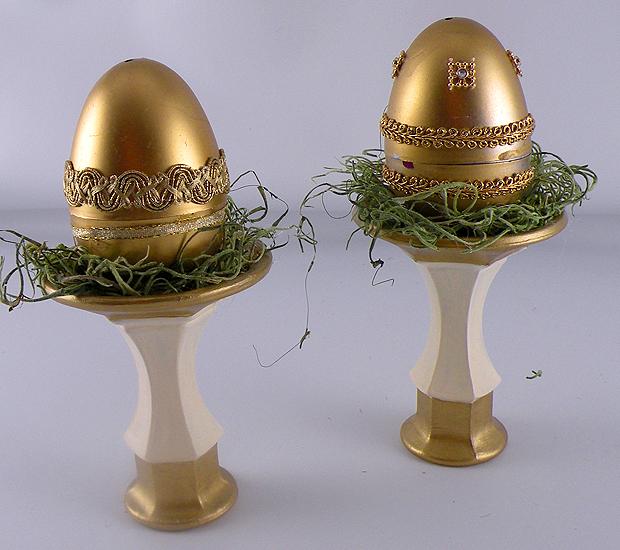 Eggs-Moss