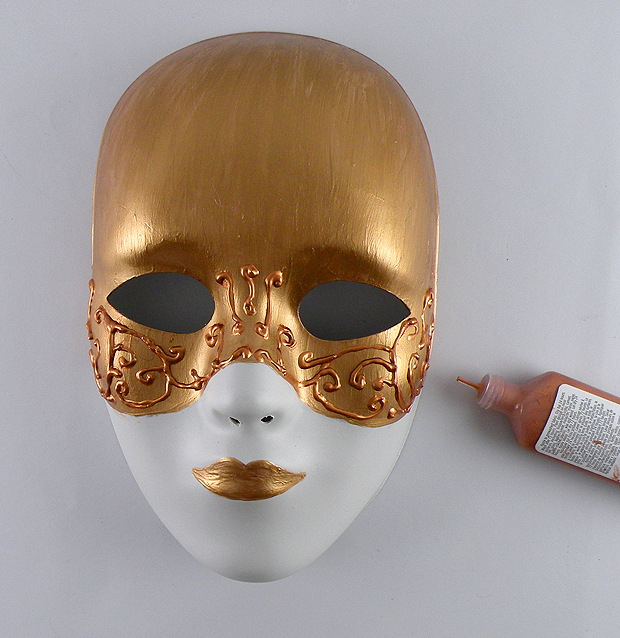 Painting gold mask