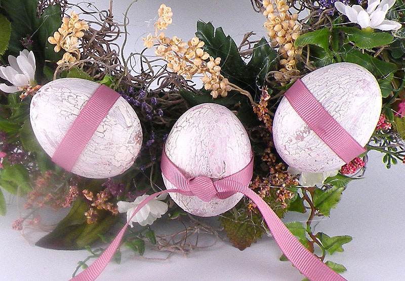 DIY Easter Wreath with Eggs