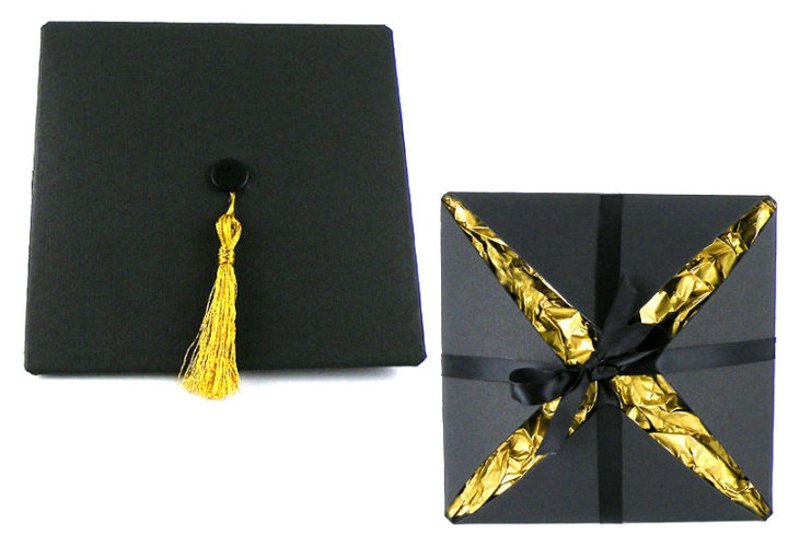 DIY Graduation Cap Card Holder